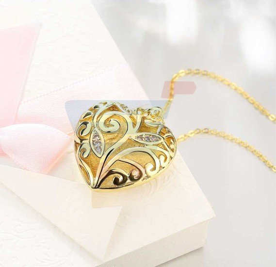 18K Gold plated Fine Carved Heart Shape Pendant Necklace