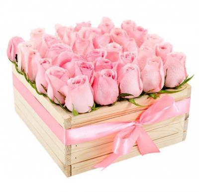 Black Tulip Flowers 25 Pink Rose In Wooden Box, Bt_Fl_0s84