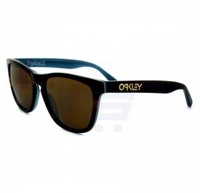 Oakley Wayfarer MultiColor Frame & Brown Mirrored Sunglasses For Unisex - 0OO2043-204303