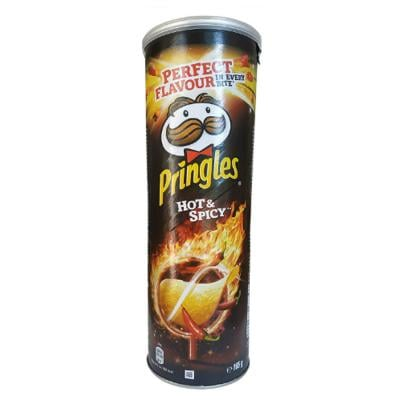 Pringles Hot & Spicy Flavored Chips, 165 grams Can, 70076