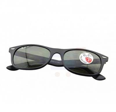 Ray-Ban Wayfarer Matte Black Frame & Green Gradient Flash Mirrored Sunglasses For Unisex - 0RB4207-601S9A